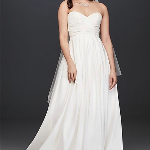 David's Bridal Dresses & Skirts - David's Bridal sweetheart empire gown size 14